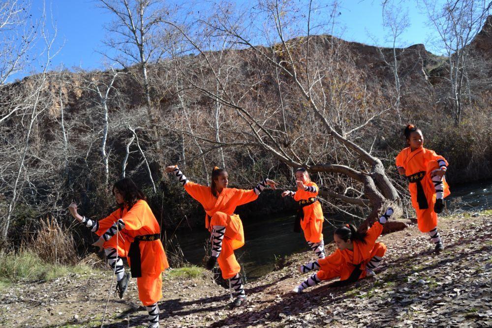 Clases de Kung Fu Para Niñas y Niños. Información Sobre las Clases Kung Fu Tradicional Shaolin del Sur y Norte. Patylee_@hotmail.com Tlf:- 626 992 139 Alcala de Henares - Azuqueca de Henares - La Garena - Madrid - Guadalajara.