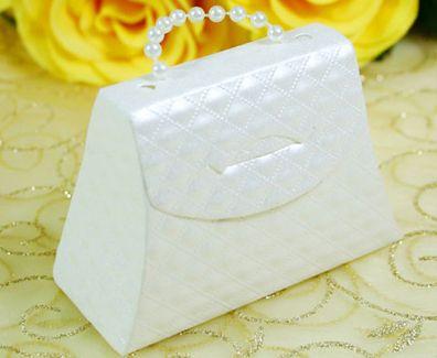 Décoration de mariage blanche : un blanc pur et élégant