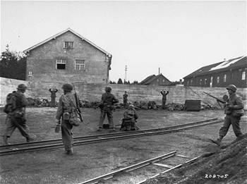 <p>Pictures selection of the book Dachau, Holocaust and US Samurais : Nisei soldiers first in Dachau</p>