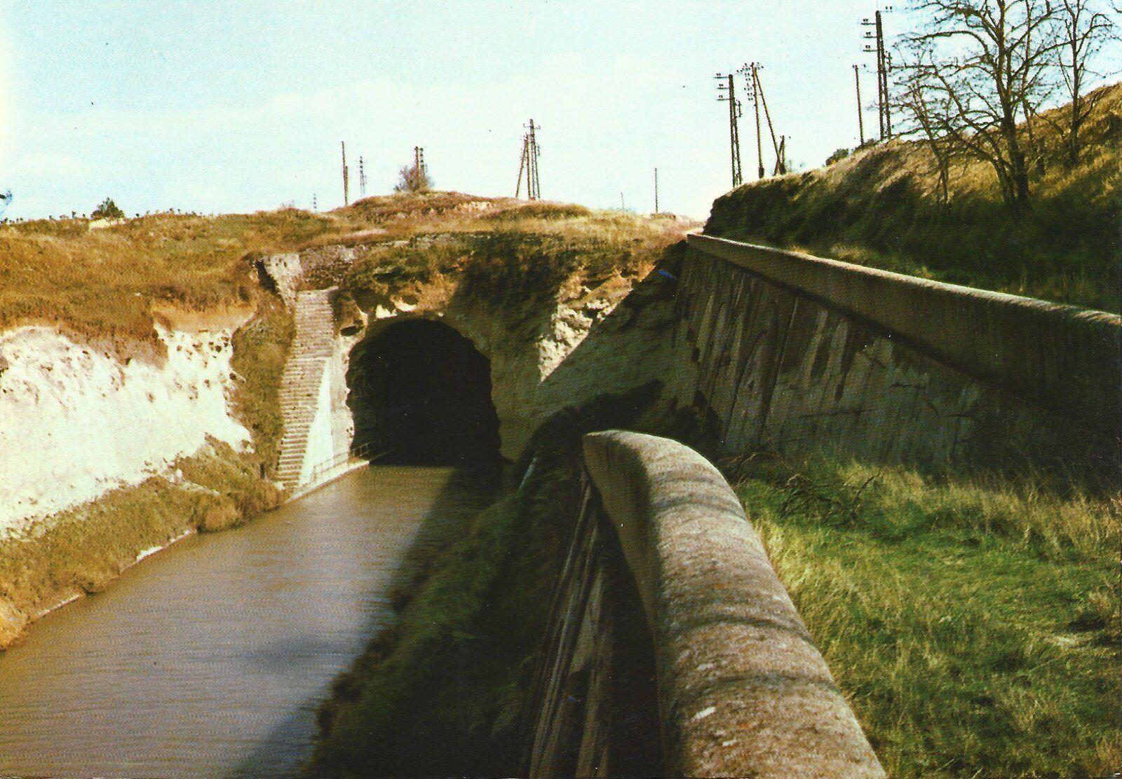 9 - CANAL DU MIDI  - LA GROTTE DE MALPAS (TUNNEL DU MALPAS) écrite le 29.09.1945
