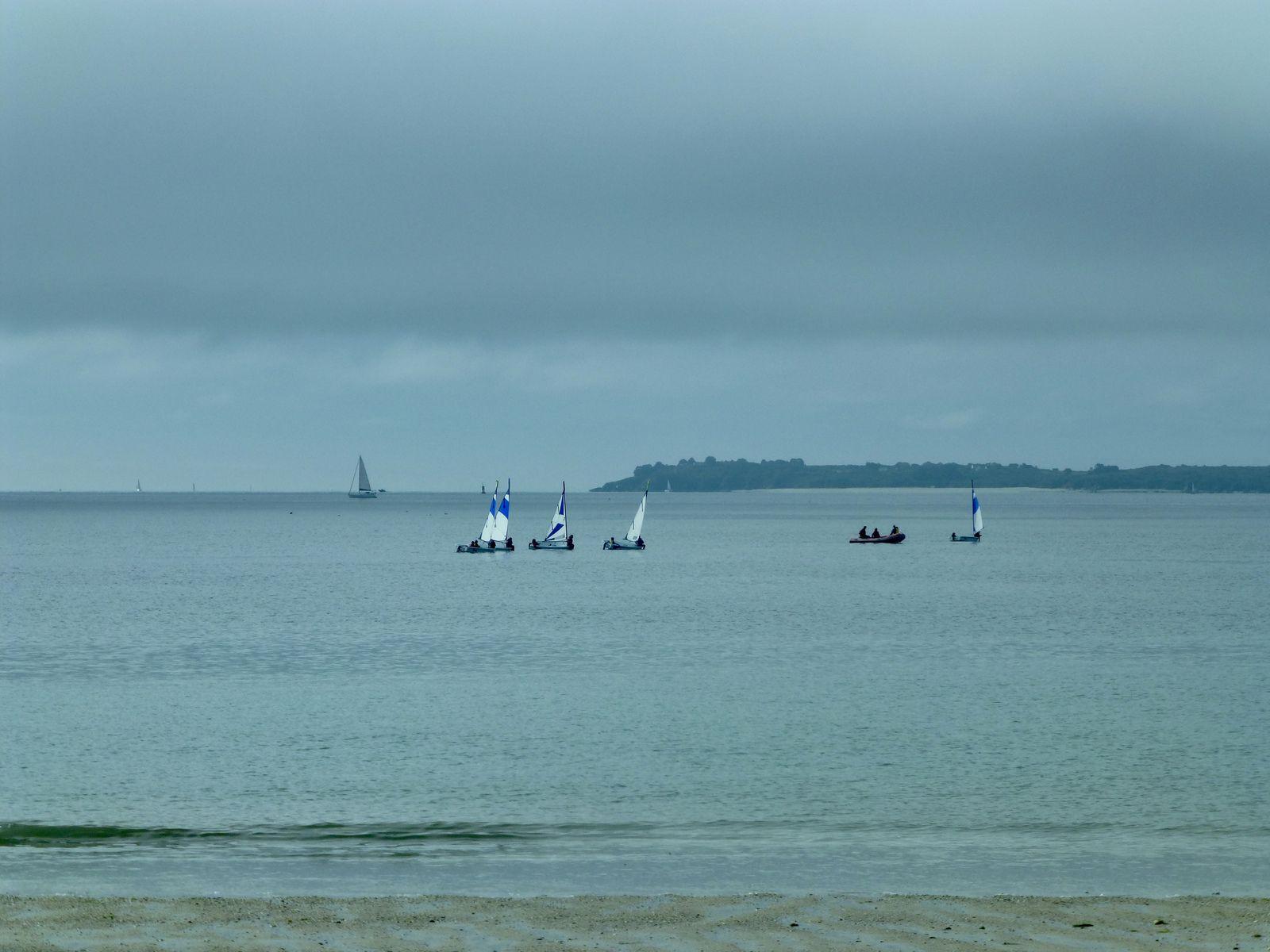 Une dernière journée sans beaucoup de relief sauf sur les quais Éric Tabarly où il y a la cité à venir voir.