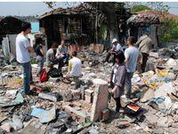Workshop sur les décombres du quartier Sulukule à Istanbul - Travail sur site - Equipe internationale - Restitution ex situ - Mai 2010