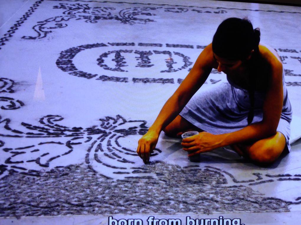 Vidéo de l'intervention de Maria Tsagkari, 4e Biennale de Thessalonique, 18 septembre 2013 – 31 janvier 2014 © Photographies Le Curieux des arts Antoine Prodhomme, 2 juillet 2014