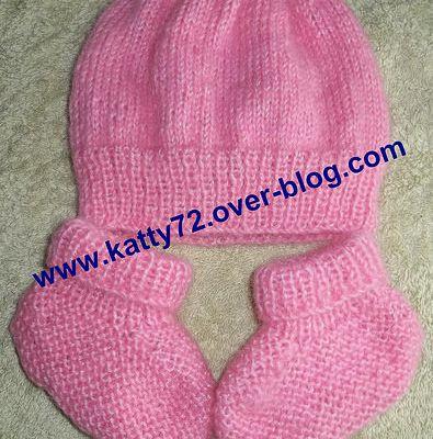 Bonnet et chaussons bébé au tricot