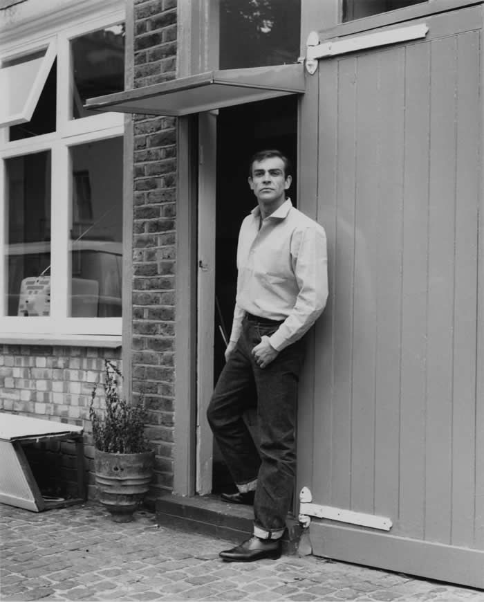Mr. Connery at his flat in London in 1962, when he was the new face of James Bond.Credit...Chris Ware/Keystone Features/Hulton Archive, via Getty Images