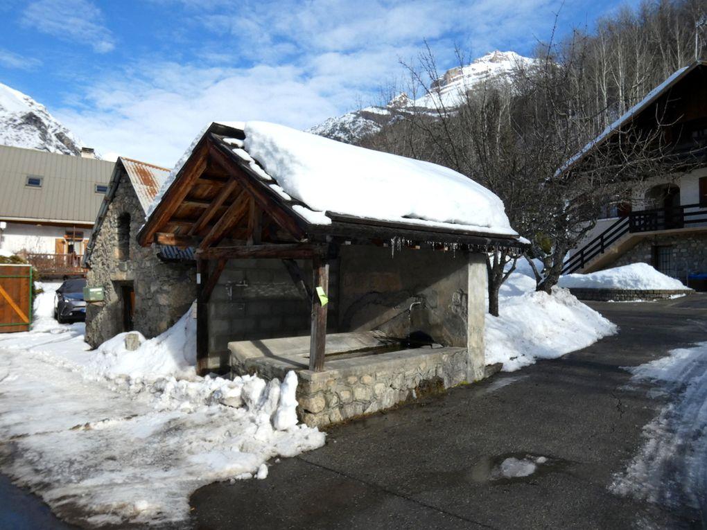 Le hameau de Saint Antoine , commune de Pelvoux  05101