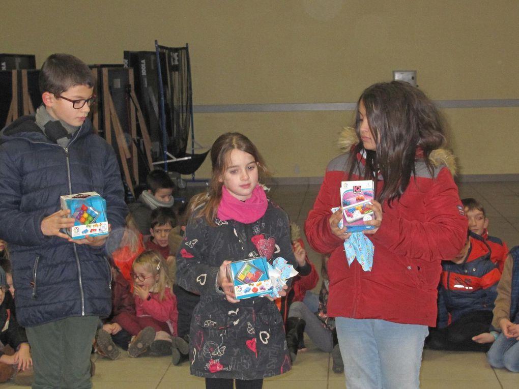 Le père Noël est passé à l'école du Sacré-Cœur...