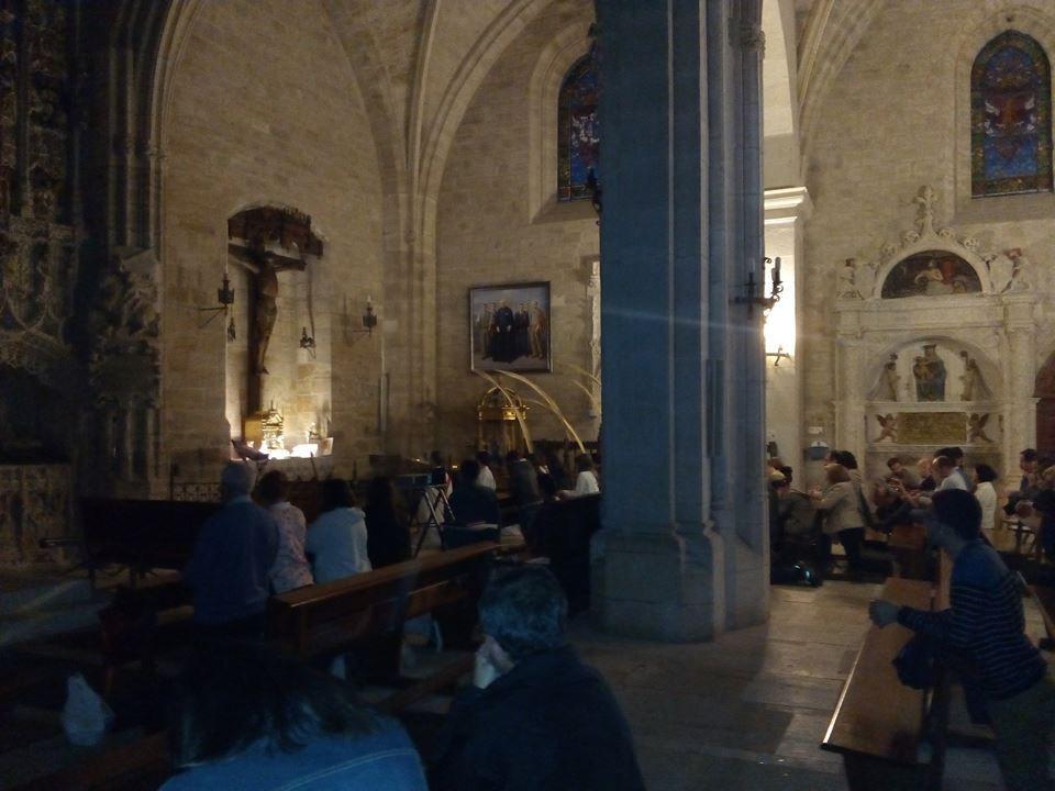 Oración joven en San Nicolás