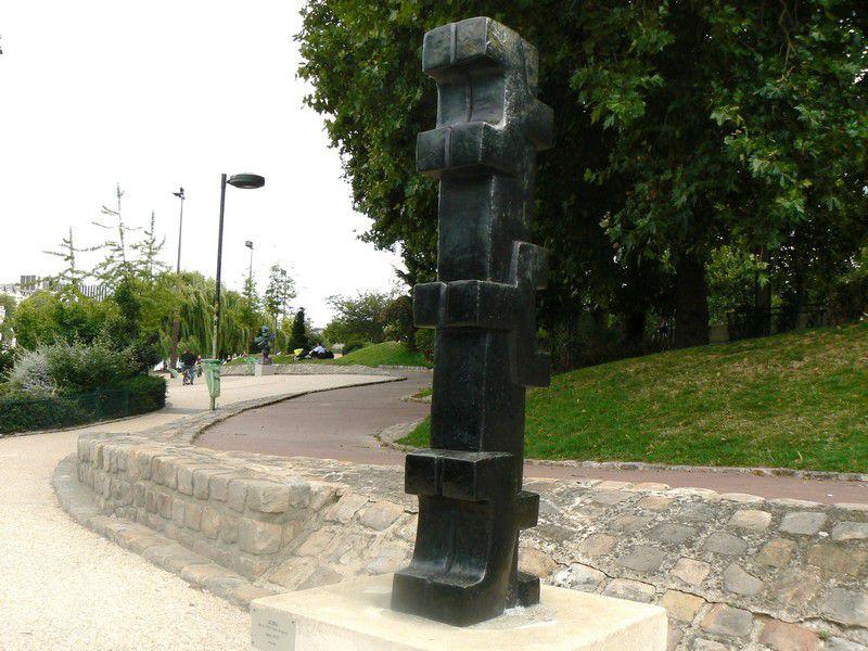 Oeuvres modernes au musée de Sculpture de plein air de la ville de Paris, quai St Bernard (Jardin Tino Rossi) Paris 5e