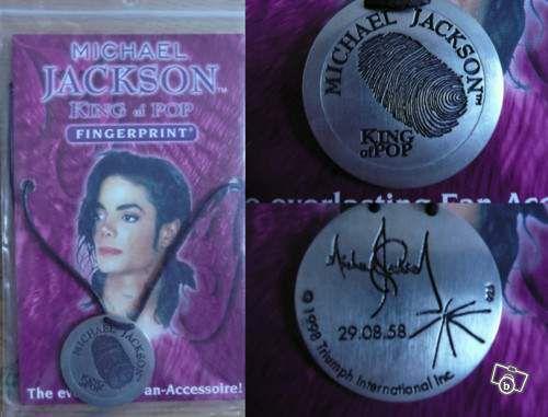 Michael Jackson  :  les objets à son effigie.