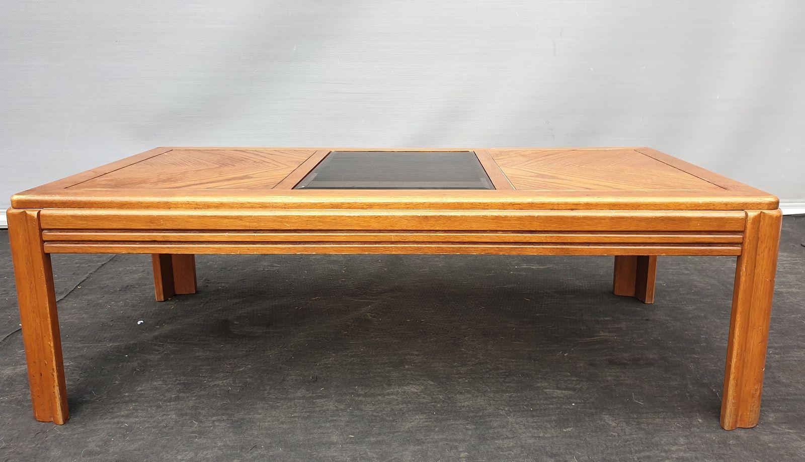 Table basse vintage Chêne et cadre central verre fumé - 75 euros