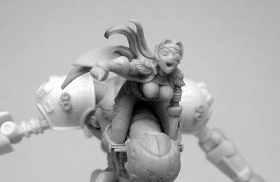 Calico Kate on her mech.