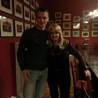 [NEW VOCAL INTERVIEW] - Bonnie Tyler - Cambridge Union Society - 4/03/2015