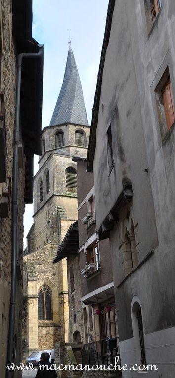 La porte Théron qui donne accès à la rue de l'église.  ( 3  photos)