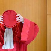 Les Français n'ont pas le droit de savoir : la Cour suprême allemande stoppe la mise en ratification par l'Allemagne du fonds de relance européen, que Macron et Merkel voulaient imposer aux états membre de l'Union européenne - Ça n'empêche pas Nicolas