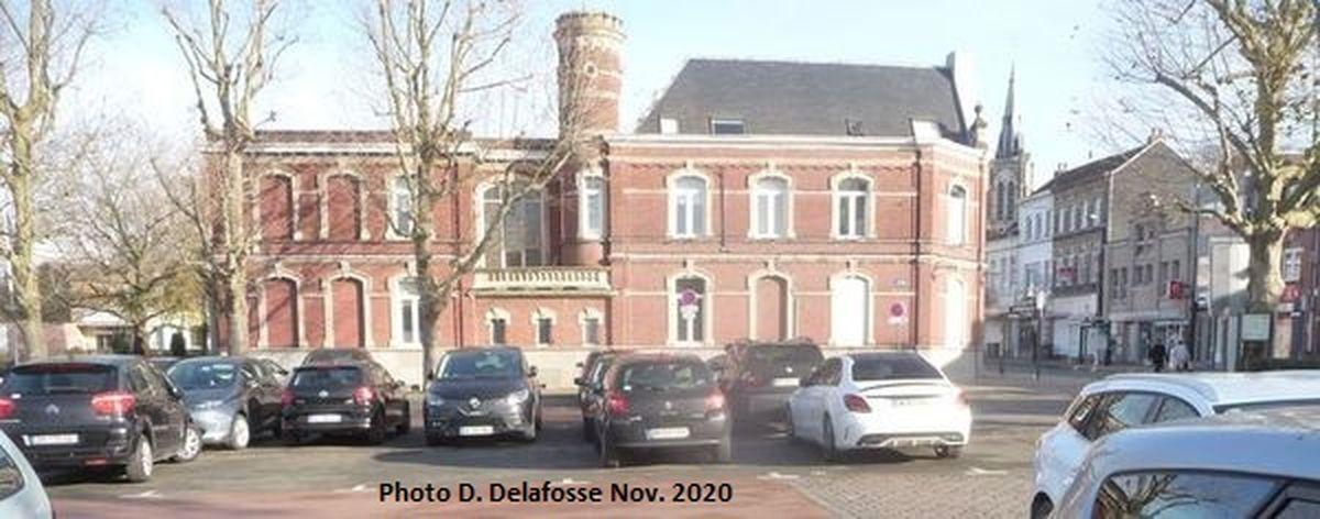 Hôel de Ville, rue Marthe Nollet Halluin - Novembre 2020.