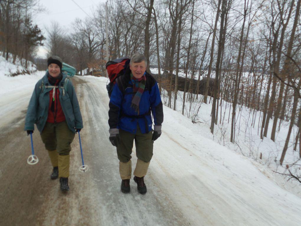 Et c'est parti pour 4,5 km de marche le long de North Shore Road!