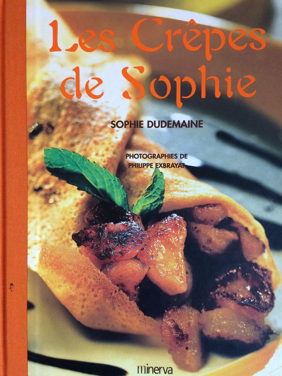 Un livre que j'ai depuis longtemps, une référence en matière de crêpes salées et sucrées...et de blinis !