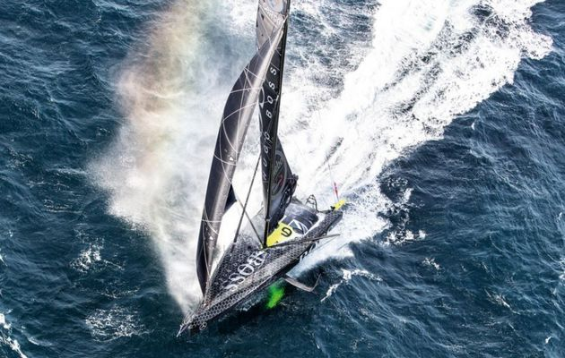Vendée Globe - Alex Thomson bat un record, et s'impose comme le Boss à l'Equateur