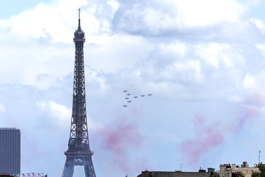 Survol de Paris par la PAF