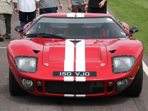 Dans l'ordre : KVA GT40 (1996), GTD MK1 (2010), Lone Star GT40, Tornado GT40, Dax GT40, MDA GT 40
