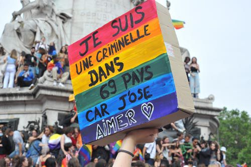 Photos de la pride de Paris du 26 juin 2021 : pancartes, slogans, organisations et participant.e.s bien sûr !