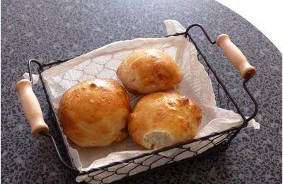 Petits pains au lait fermenté