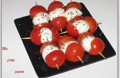 Brochettes de tomate cerise et sa bille de mozza
