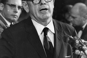 Randolph W. Thrower, defiant IRS chief under Nixon, dies at 100