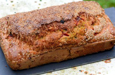 Cake aux poivrons et aux deux olives