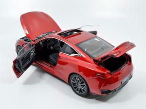 Après la Q50, Paudi propose le coupé Infiniti Q60 à l'échelle 1:18