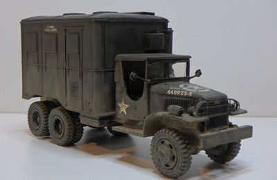 GMC CCKW 353 shelter radio Signal Corps (Hartsmith - 1/48 - par Marc H.)