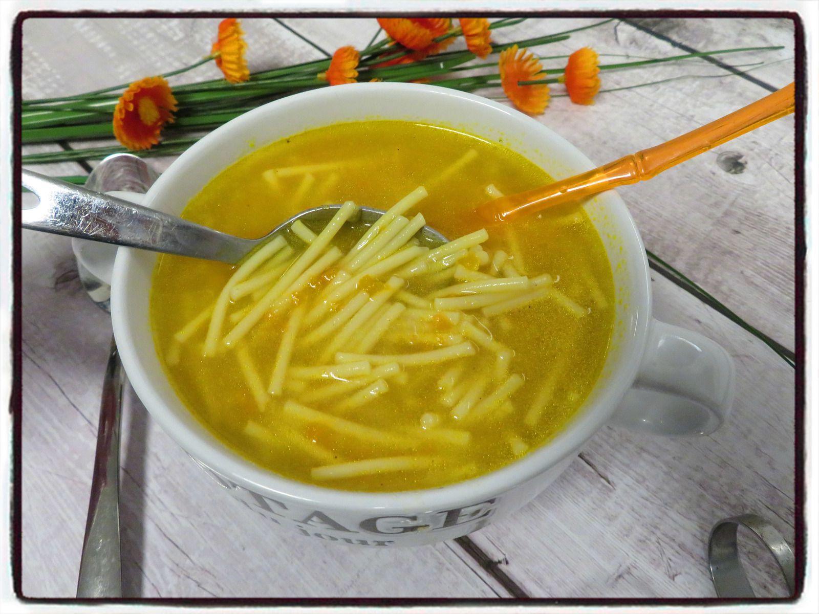 soupe de spaghettis à la carotte