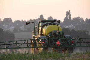 Des pesticides suspectés d'être des perturbateurs endocriniens ou cancérogènes dans l'air