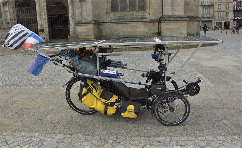 Le passage des vélos solaires à Quimper