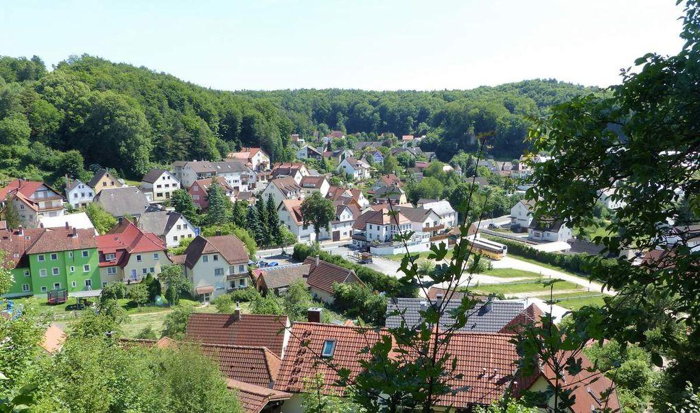 Gößweinstein ist der Ort mit der größten Gaststättendichte in der Fränkischen Schweiz. Keine Frage dass allen im Biergarten neben der Basilika das Wallfahrerbier besonders gut mundete.