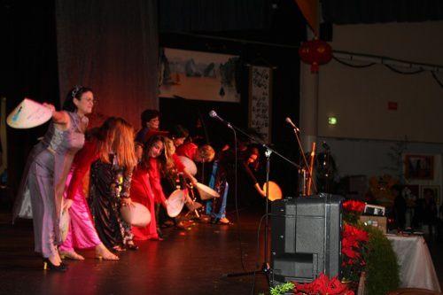 Quelques bons souvenirs de cette fête du Têt placée sous le signe du dragon...une très bonne année à tous nos amis !