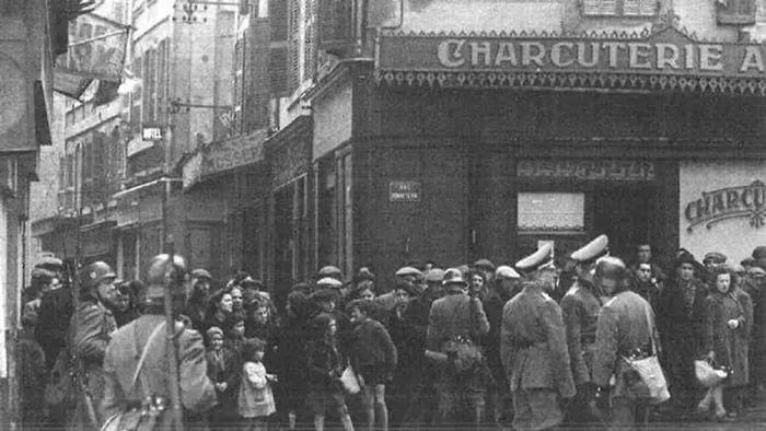 Les familles napolitaines très pauvres du quartier Saint Jean furent regroupées place Gélu et rue de la Bonneterie.  Photo DR