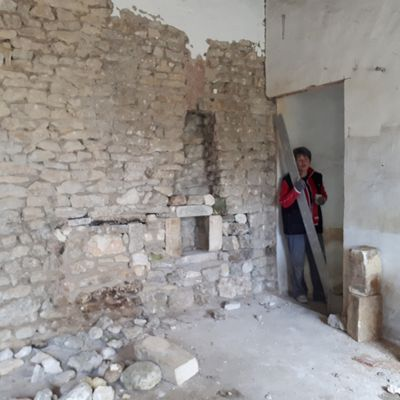 Atelier : réfection du mur de la SAM