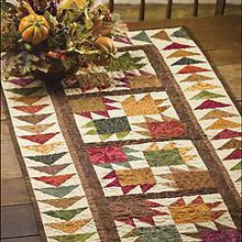 small quilt patterns   ... -Table-Runners-Small-Quick-Easy-Gift-Projects-Quilting-Pattern-Book