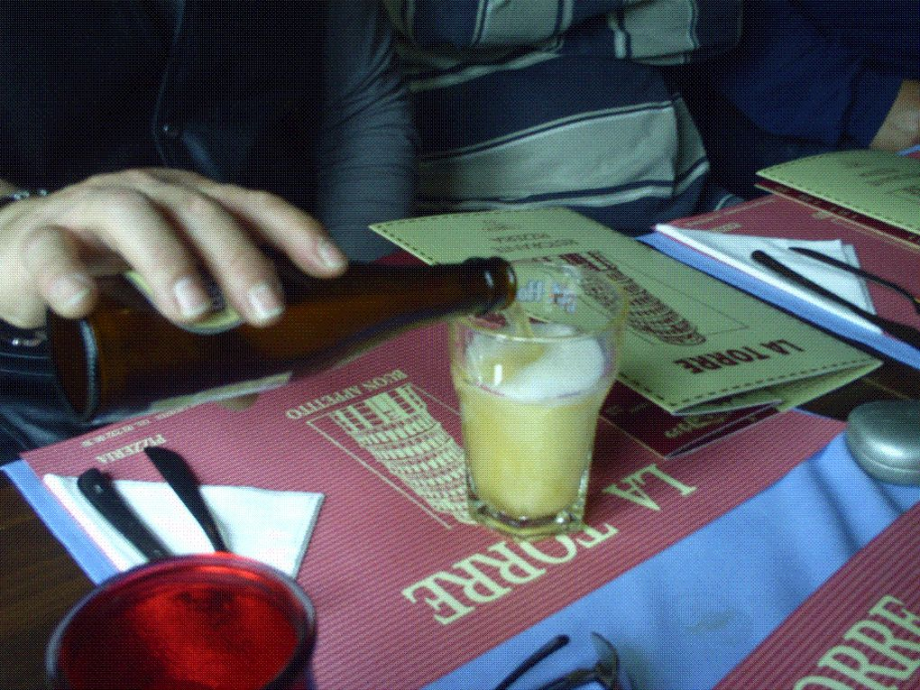 DIAPORAMA 06 PHOTOS - La pizzeria sur la place sera la bienvenue