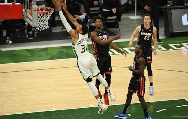 Milwaukee explose le Heat de Miami dans le match 2