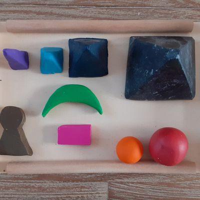 Interjection: le plateau de grammaire Montessori enfin complet!