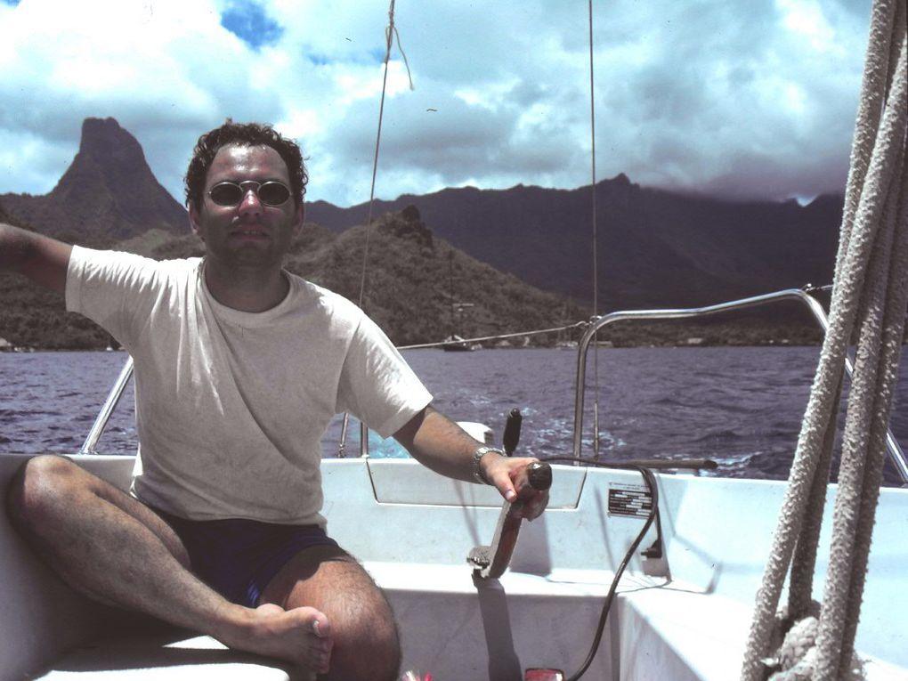 Vues sous-marines de Yves Esvan 2002-2004. Automatic slideshow...