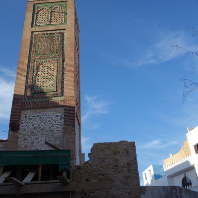 La mosquée Jamaa Jdid à Tanger au soleil couchant