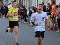 Les jeunes dans la course