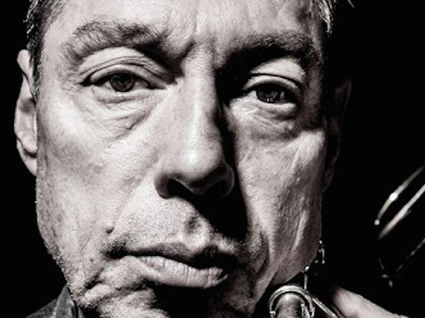 peter zummo, un compositeur et tromboniste américain qui est une personnalité de la tradition classique contemporaine américaine