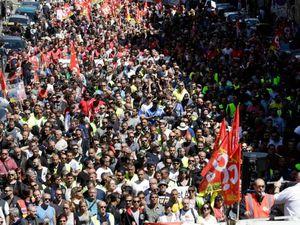 Manifestations du 17 mai 2016 à Paris et à Marseille (source photos : twitter -facebook)