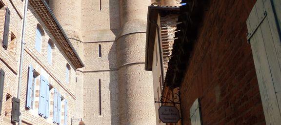Découverte de la Place Savène et de la Trébaille à Albi.