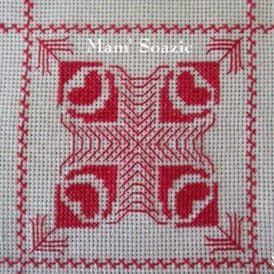 SAL : Plaid Broderie Rouge... Grille 29 / J8